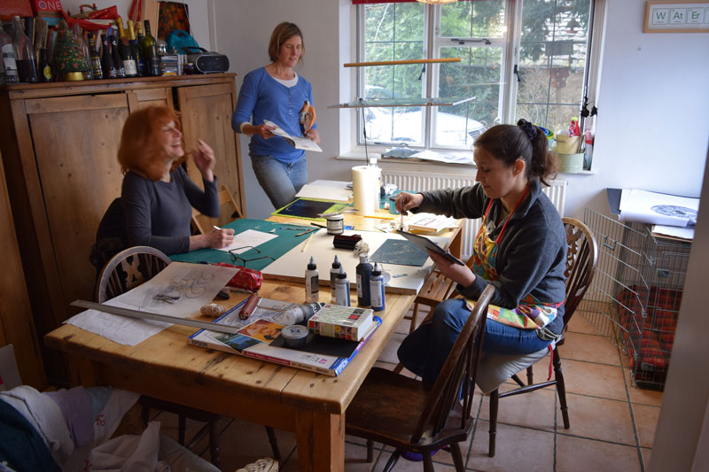 Sue, Kath and Genny working on collagraphs and drypoint